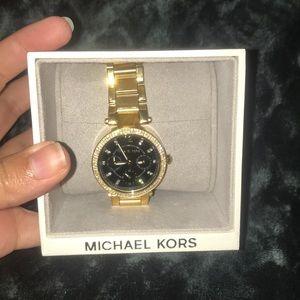 SOLLLLLDDDD Authentic rare Michael Kors watch 💓